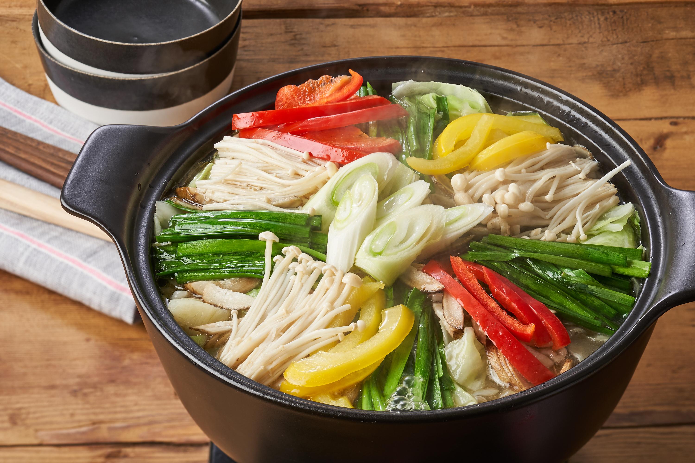 おうちのお肉で!2分の一日分野菜のごま油鍋