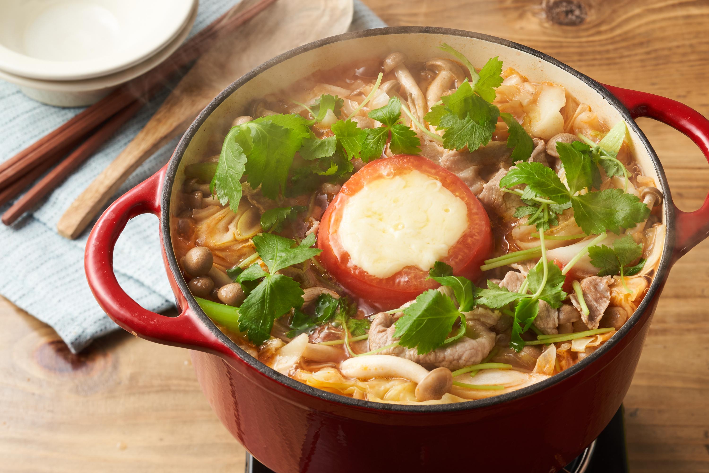 具材をディップ!トマトチーズ鍋